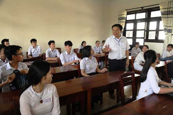 Gần 900.000 học sinh làm thủ tục thi THPT quốc gia, thí sinh lo lắng môn văn và lịch sử - Ảnh 13.