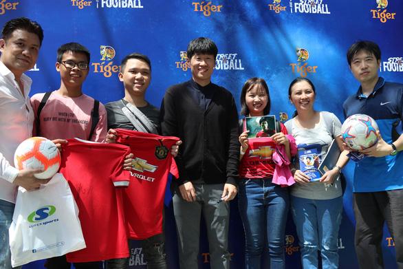 Cựu danh thủ Park Ji Sung: Tôi rất vui khi HLV Park Hang Seo thành công ở VN - Ảnh 1.