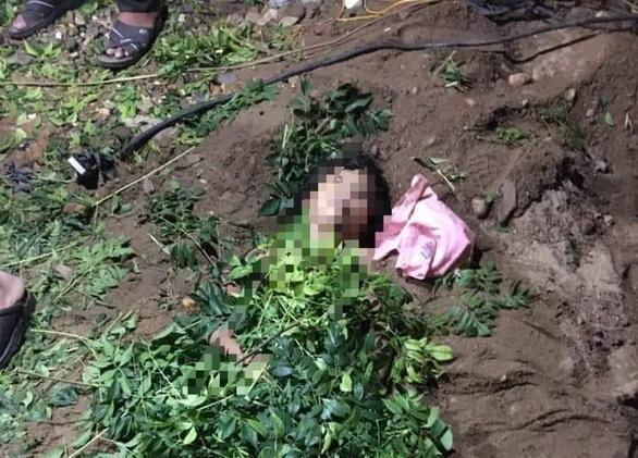 Xuống tắm sông Gianh, ba chị em ruột chết đuối thương tâm - Ảnh 1.