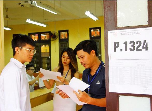 Gần 900.000 học sinh làm thủ tục thi THPT quốc gia, thí sinh lo lắng môn văn và lịch sử - Ảnh 5.