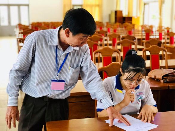 Gần 900.000 học sinh làm thủ tục thi THPT quốc gia, thí sinh lo lắng môn văn và lịch sử - Ảnh 19.