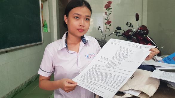 Trường hợp đặc biệt: một thí sinh dự thi với bộ đề in trên giấy A3 - Ảnh 1.