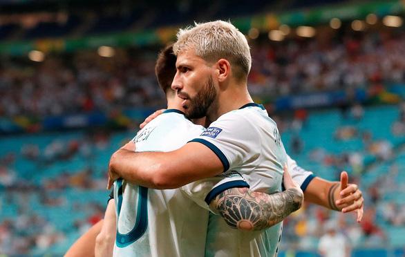 Argentina thoát hiểm nhưng… chưa thoát lo - Ảnh 1.