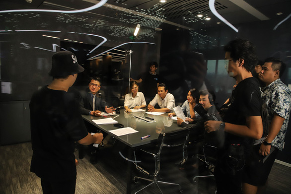 B-Ray trở lại với MV Cao Ốc 20 có góp mặt của Xesi, K-ICM, Đạt G... - Ảnh 1.