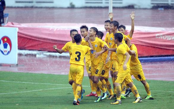 Đội bóng của Như Thuật, Văn Quyến vào chung kết U15 quốc gia 2019 - Ảnh 1.
