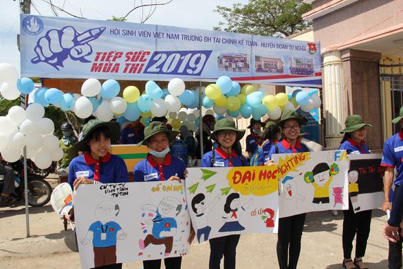 Ngộ nghĩnh tranh hí họa HLV Park Hang Seo cổ vũ mùa thi - Ảnh 9.