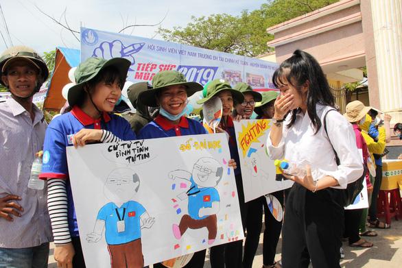 Ngộ nghĩnh tranh hí họa HLV Park Hang Seo cổ vũ mùa thi - Ảnh 3.