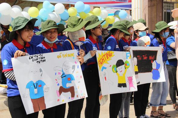 Ngộ nghĩnh tranh hí họa HLV Park Hang Seo cổ vũ mùa thi - Ảnh 7.