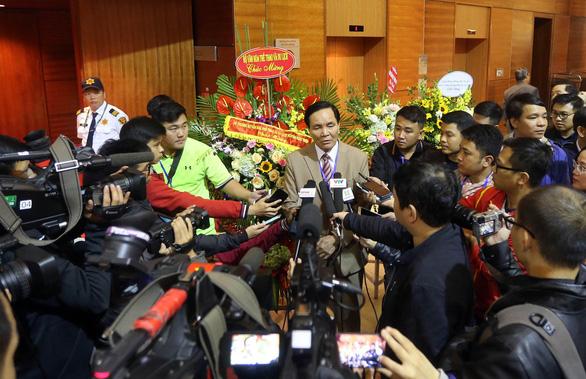 Phó chủ tịch VFF Cấn Văn Nghĩa từ chức - Ảnh 2.