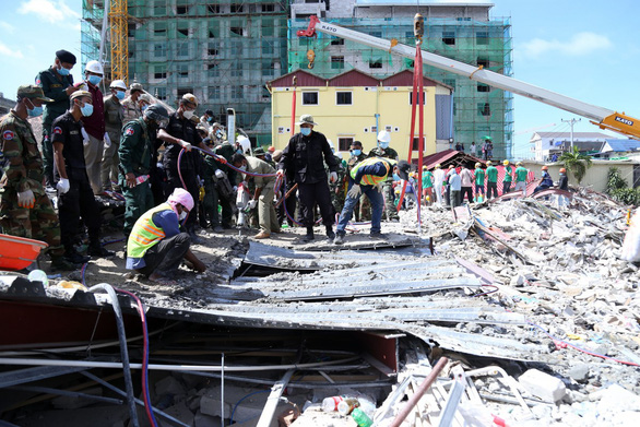 Vụ sập nhà làm 28 người chết: Campuchia buộc tội 4 người Trung Quốc - Ảnh 1.