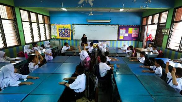 Học sinh nôn ói vì ô nhiễm, Malaysia đóng cửa hơn 400 trường - Ảnh 1.
