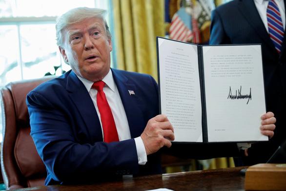 Ông Trump dọa xóa sổ hoàn toàn một số lãnh vực của Iran bằng vũ lực - Ảnh 1.