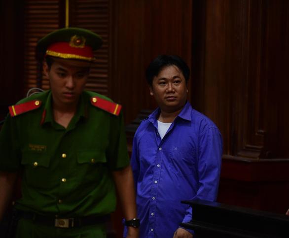 Thuê chém chồng với giá 1 tỉ, vợ bác sĩ Chiêm Quốc Thái hầu tòa - Ảnh 5.