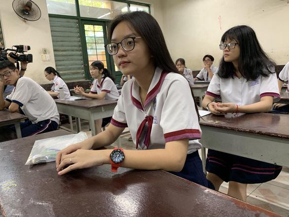 Năm 2020 vẫn lấy điểm thi THPT quốc gia để tuyển sinh đại học - Ảnh 1.