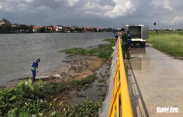 Vớt một lúc 2 thi thể nam giới trên sông Sài Gòn - Ảnh 2.