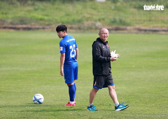 VFF đề xuất ký hợp đồng 3 năm với HLV Park Hang Seo - Ảnh 1.
