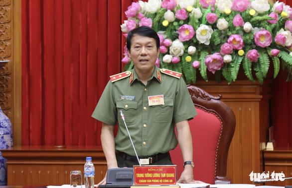 Bộ Công an xác minh nghi vấn Asanzo nhập hàng Trung Quốc dán mác Việt Nam - Ảnh 1.