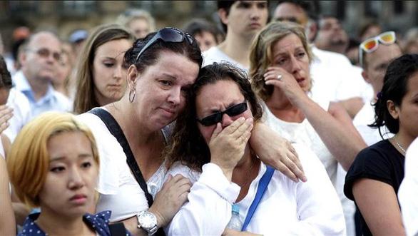 5 gia đình nạn nhân vụ MH17 dàn xếp kín với Malaysia Airlines - Ảnh 1.