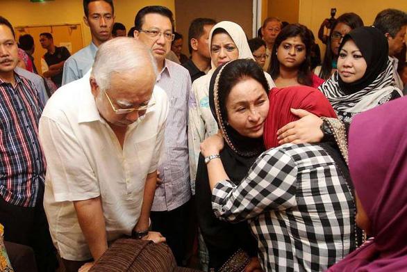 5 gia đình nạn nhân vụ MH17 dàn xếp kín với Malaysia Airlines - Ảnh 3.