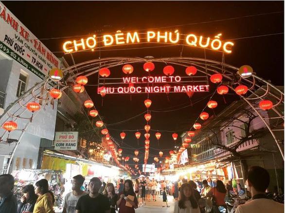 Phú Quốc: Nhà đầu tư tranh thủ mua - bán bất động sản - Ảnh 1.