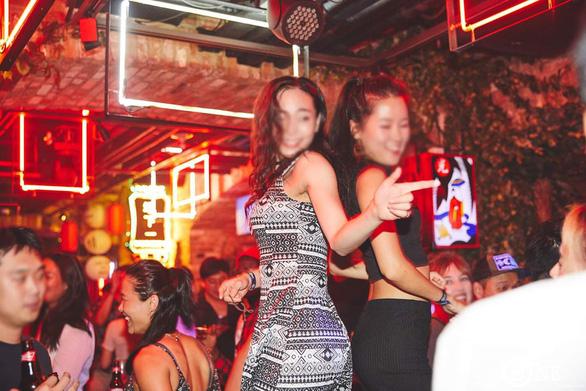 Trong thế giới thác loạn đậm văn hóa cưỡng hiếp của quận Gangnam - Ảnh 1.