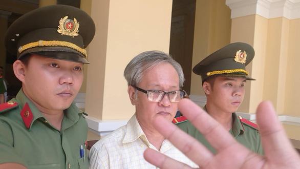 Công chứng viên lãnh 8 năm tù vì muốn lật đổ chính quyền - Ảnh 2.