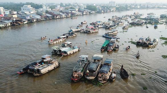 Chuyển đổi kinh tế, văn hóa thương hồ - Ảnh 1.