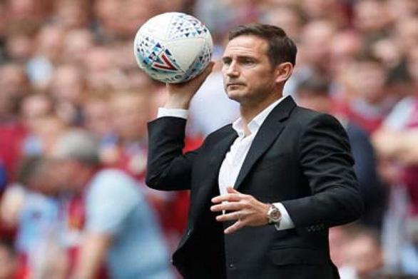 Terry: Không ai thích hợp và tốt hơn Lampard để dẫn dắt Chelsea - Ảnh 1.