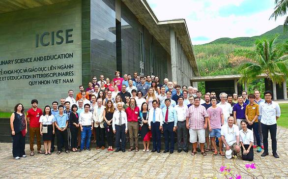 Mời GS Trần Thanh Vân mở trung tâm khoa học: Hứa miễn tiền đất nay lại đòi nợ - Ảnh 1.