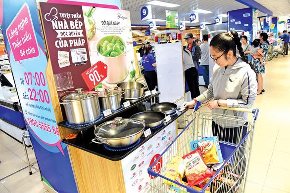 Đi siêu thị Co.opmart: An tâm mua hàng, nhận quà độc quyền cao cấp - Ảnh 1.