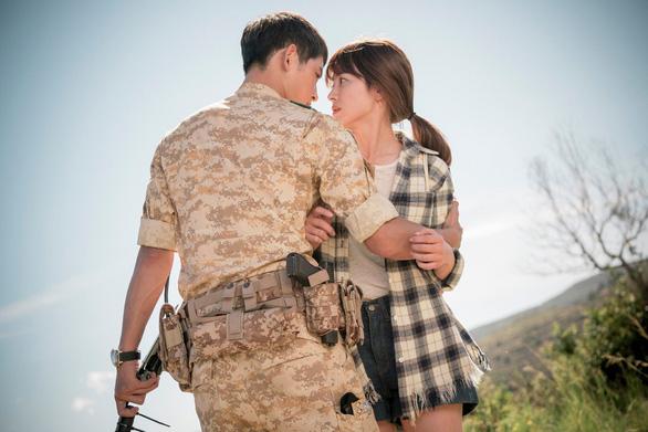 Song Joong Ki và Song Hye Kyo của Hậu duệ mặt trời tuyên bố ly hôn - Ảnh 7.