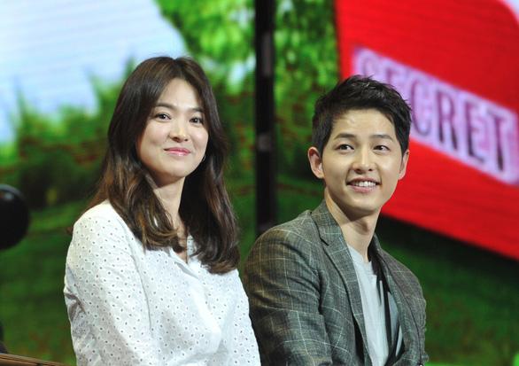 Song Joong Ki và Song Hye Kyo của Hậu duệ mặt trời tuyên bố ly hôn - Ảnh 1.