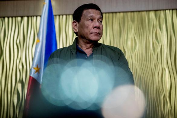 Các nghị sĩ đòi luận tội Tổng thống Duterte về phát ngôn bảo vệ Trung Quốc - Ảnh 1.