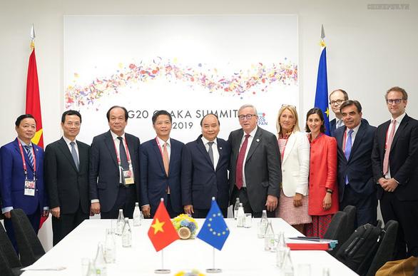 Thủ tướng Nguyễn Xuân Phúc chụp ảnh cùng lãnh đạo các nước G20 - Ảnh 8.