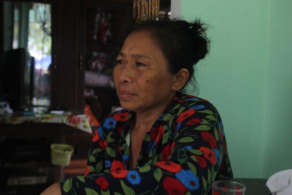 Mẹ cô gái bị tài xế Vinasun bỏ rơi sau tai nạn: Quá ác với con tôi! - Ảnh 1.