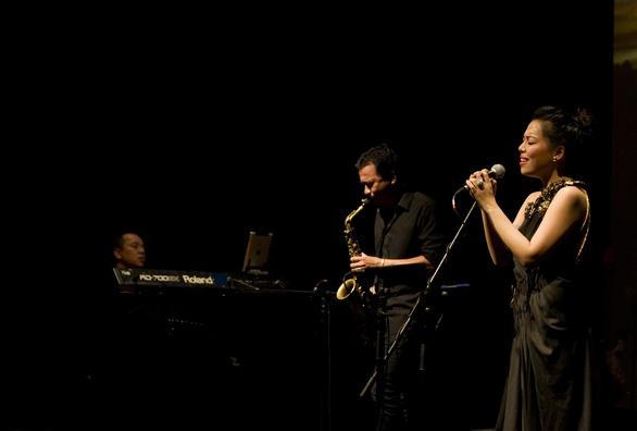 Jazz Sài Gòn đón nghệ sĩ saxophone Ý -  Enzo Favata - Ảnh 4.