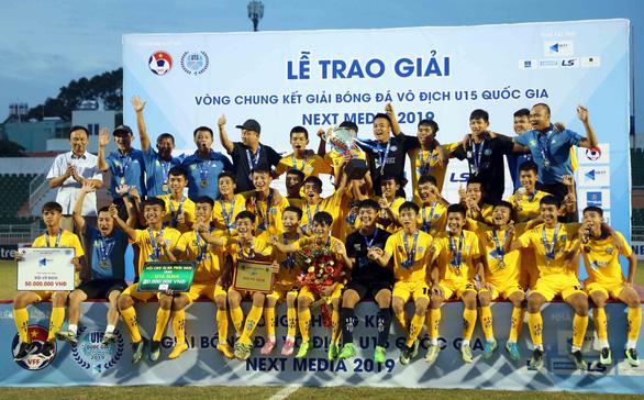 Như Thuật và Văn Quyến đưa Sông Lam Nghệ An vô địch U15 quốc gia 2019 - Ảnh 1.