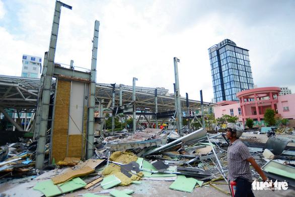 TP.HCM tháo dỡ các công trình tại công viên 23-9 - Ảnh 2.