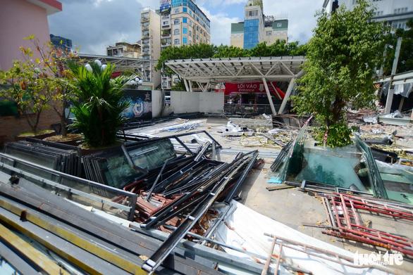 TP.HCM tháo dỡ các công trình tại công viên 23-9 - Ảnh 4.