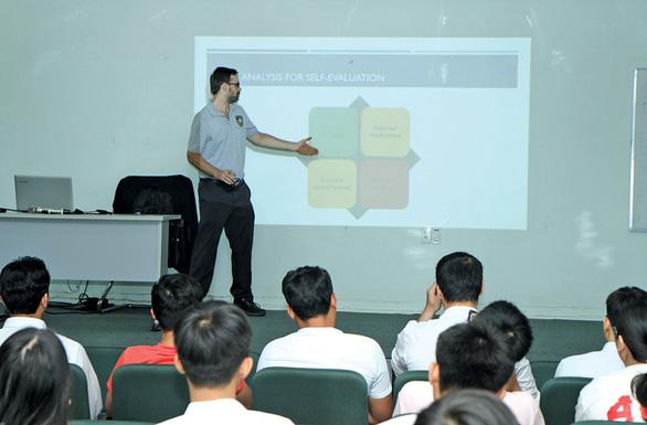 Trường ĐH Tân Tạo: ngôn ngữ Anh, học một ngành làm nhiều nghề - Ảnh 5.