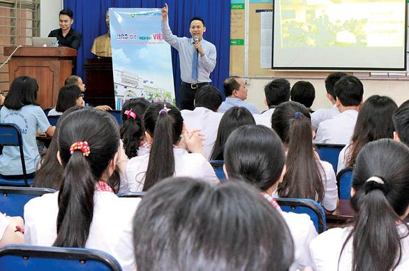 Trường ĐH Tân Tạo: ngôn ngữ Anh, học một ngành làm nhiều nghề - Ảnh 2.