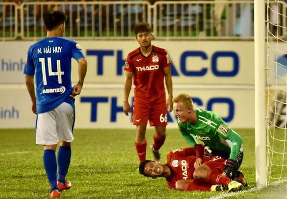 Sân Cửa Ông: Than Quảng Ninh 'chết bởi 11m luân lưu - Ảnh 4.