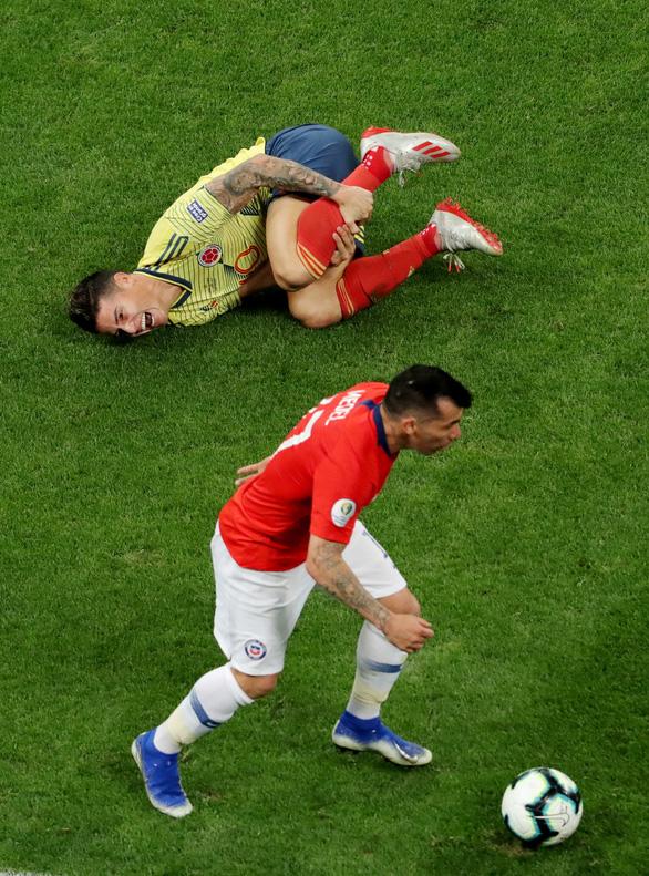 2 lần được VAR cứu, Colombia vẫn thất bại 4-5 trước Chile trên chấm 11m - Ảnh 4.