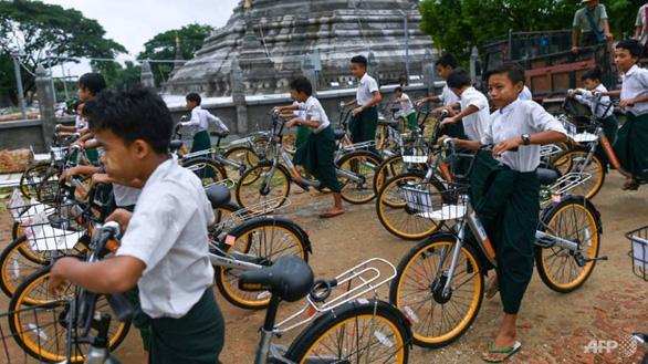 Tái chế hơn 10.000 chiếc xe đạp tặng học sinh nghèo - Ảnh 3.