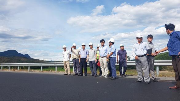 Tổng cục Đường bộ kiểm tra nơi lún trên cao tốc Đà Nẵng - Quảng Ngãi - Ảnh 1.