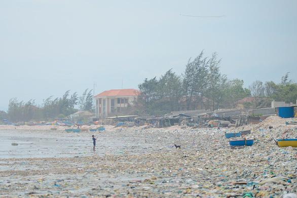 Đường bờ biển đang ngộp thở: phải hành động ngay - Ảnh 2.