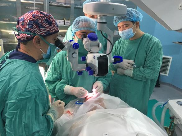 Nhiều bệnh nhân Việt Nam được ghép giác mạc do người Mỹ hiến tặng - Ảnh 1.
