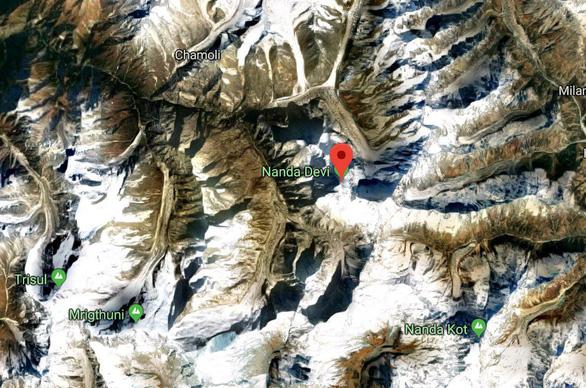 Điều trực thăng tìm 8 nhà leo núi mất tích - Ảnh 5.
