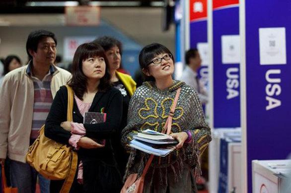 Trung Quốc cảnh báo công dân nguy cơ bị từ chối visa du học, nghiên cứu ở Mỹ - Ảnh 1.