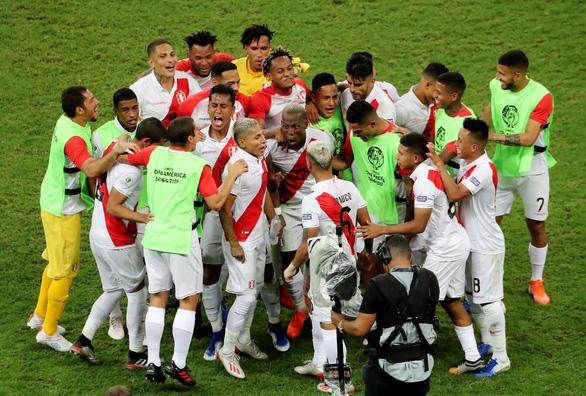 Suarez sút hỏng luân lưu, Uruguay bị Peru loại khỏi Copa America 2019 - Ảnh 1.